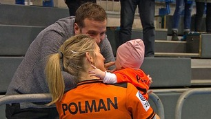 Feiret kvartfinaleplass med fotballkjæresten og datteren (0,5)