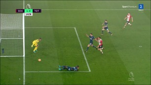 Southampton i ledelsen etter Sanchez-selvmål
