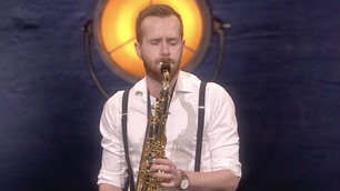 Ikke vist på TV: Bjørn (26) spiller saksofon på dommerutvelgelsen