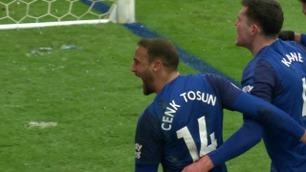 Tosun gir Everton ledelsen!