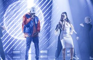 Rap-Iann tok med seg kjæresten på scenen