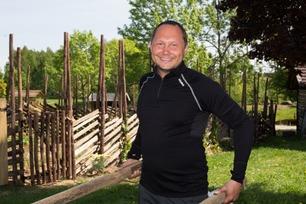 Har startet spillet allerede: Dette vil NRK-Ronald holde skjult for de andre på gården