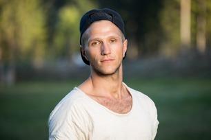Nikolai (22) har en helt spesiell taktikk for å vinne Farmen