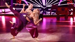 Bollywood i Skal vi danse: – Fy søren det er tempo, Sophie Elise!