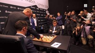 Filmstjerne klønet til åpningstrekket mot Magnus Carlsen