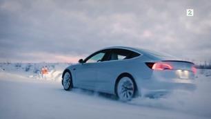 Tesla Model 3 i snøen – her kjører de vintertest