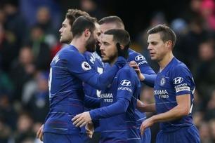 Higuaín og Hazard herjet med Huddersfield