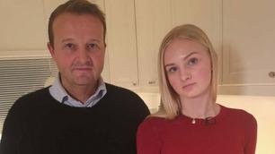 Olivia (15) kjøpte jakke på nettet – så kom en overraskende regning