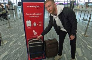 Norwegian hevdet at koffertene var for store – Ådne og kjæresten fikk gebyr på 1300 kroner