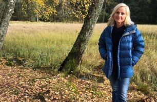 Tre uker etter morens død, tar Vår Staude fremdeles daglig kontakt