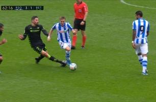 Her blir Ødegaard meid ned av tidligere Manchester City-profil