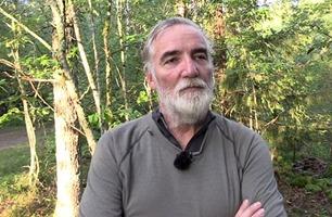 Farmen-Jan Erik mener en person driver et kynisk spill på gården