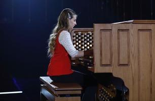 Får stående applaus for sin orgelmusikk: – Bedre enn en rockekonsert