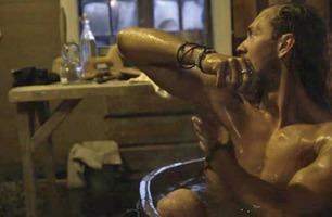 Her får en av Farmen-deltakerne nakensjokk