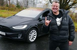 Alex Rosén monterte blålys på bilen – slik stakk han fra politiet