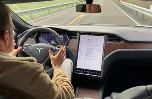 Autopilot: Så bra kjører bilen av seg selv