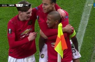 Young sender United i føringen!