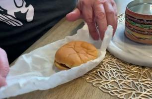 Denne hamburgeren er 20 år gammel