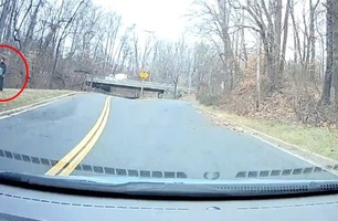 Skjønner ikke hva mannen gjør i veikanten – 50 meter senere går det opp for han