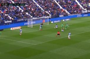 Ødegaard nær scoring – så gjør lagkameraten dette