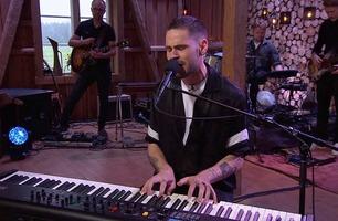 Chris Holsten synger klassikeren «You've got a friend»