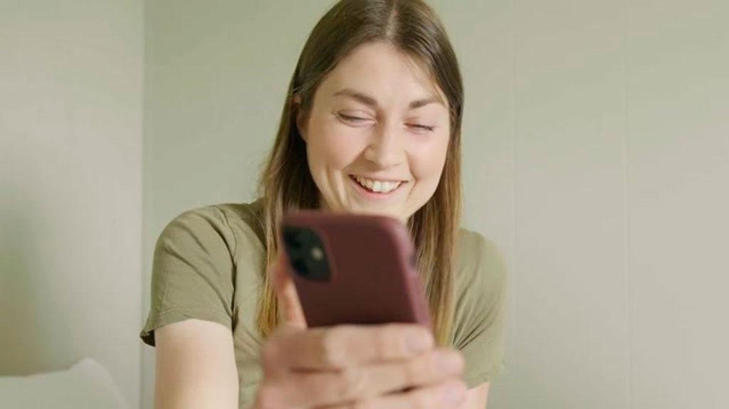 Blir satt ut av overraskende mobilvideo