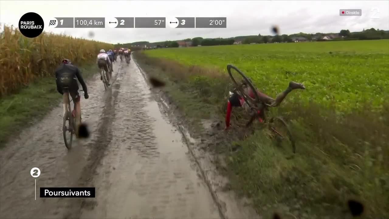 Stake Laengen unngikk velt - fullstendig kaos i Paris-Roubaix