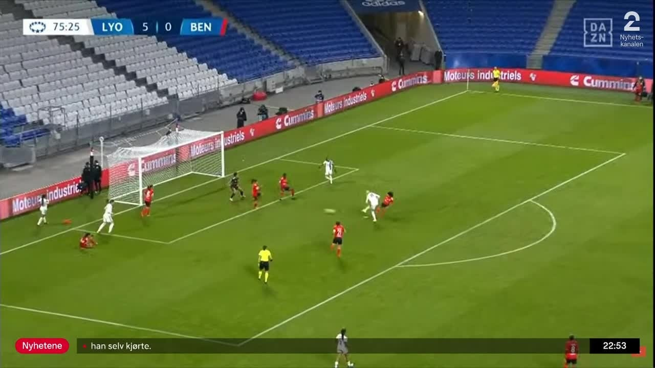 Sportsnyhetene: Hegerberg uhyre nær scoring