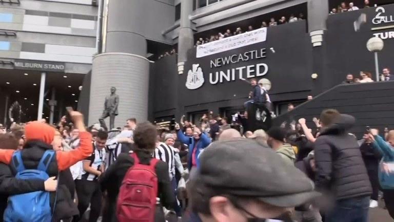 Fansen jublet hemningsløst, men Newcastles nye eiere er omstridt