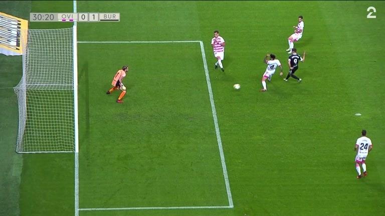 Mål: Guillermo (BURG) 0-1 (30)